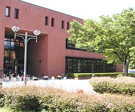中央図書館外観画像