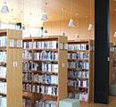 ひらた図書センター館内画像2